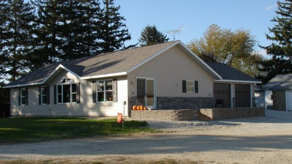 Custom in Cresco, exterior