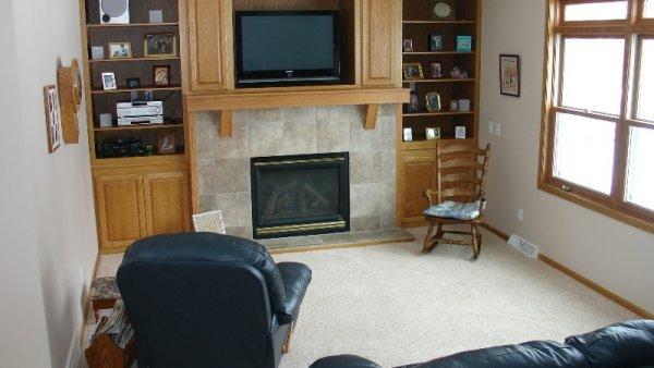 Mapleton in Decorah, family room