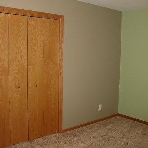 Cavalier in Decorah, bedroom closet