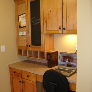 Chalet in Detroit Lakes, desk