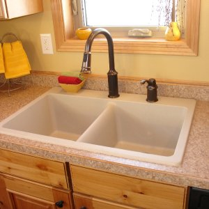 Chalet in Detroit Lakes, kitchen sink