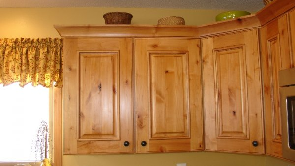 Chalet in Detroit Lakes, kitchen cabinets